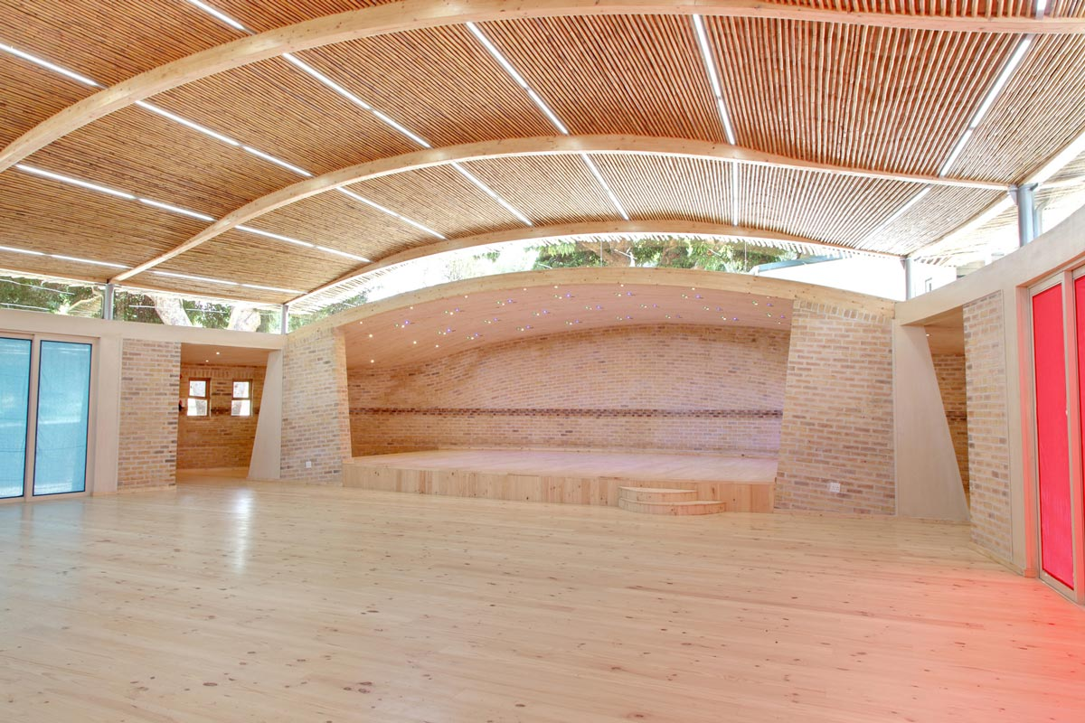 Clay Brick RPA - Constantia Waldorf School Hall