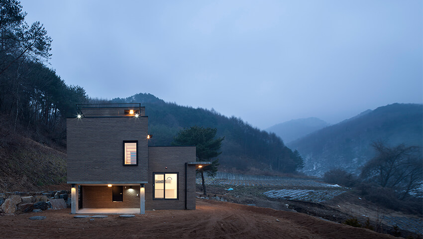 House in Sang-an / studio GAON