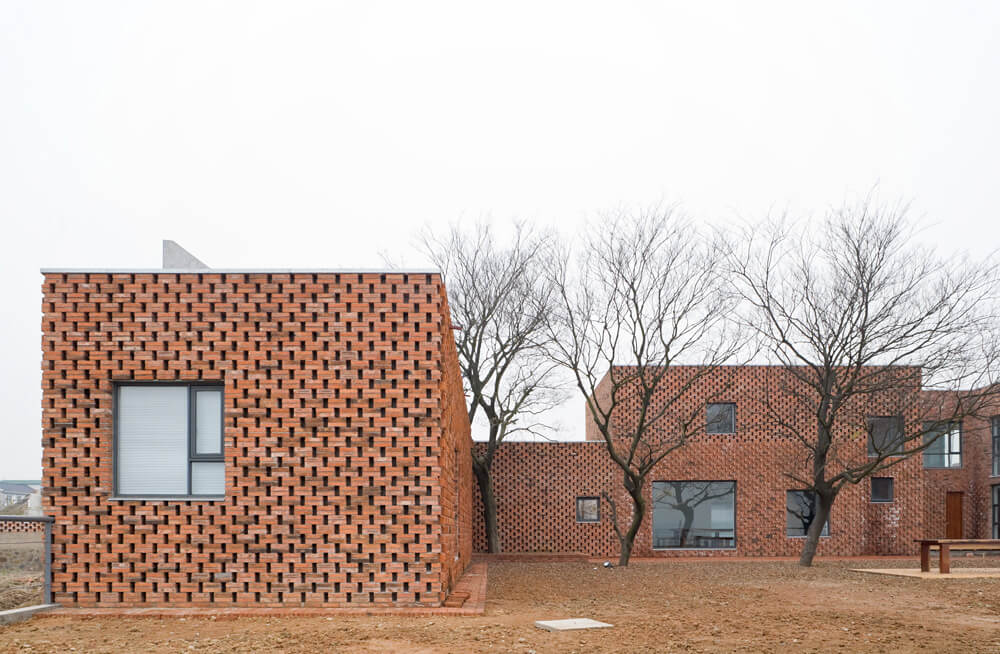 © Iwan Baan / Brick House / AZL architects