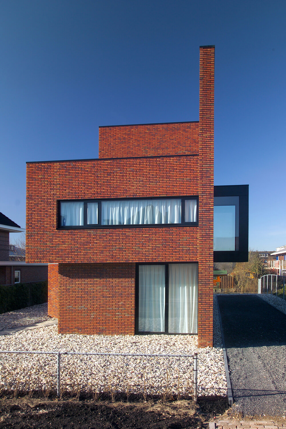 Brick wall house 123dv modern villas - Brick houses three beautiful economical projects ...