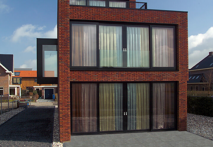 Brick Wall House / 123DV Modern Villas