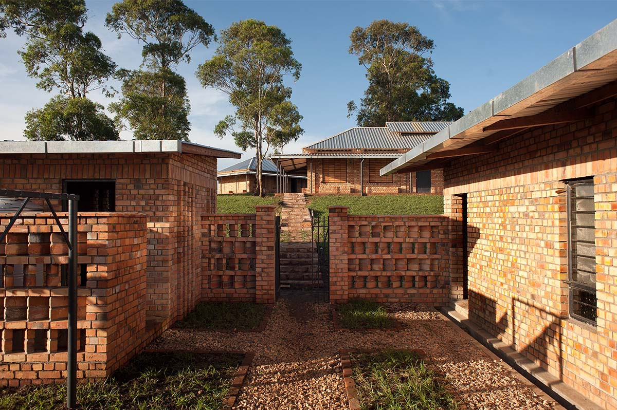 COF Outreach Village Primary Schools / Studio FH Architects © Will Boase