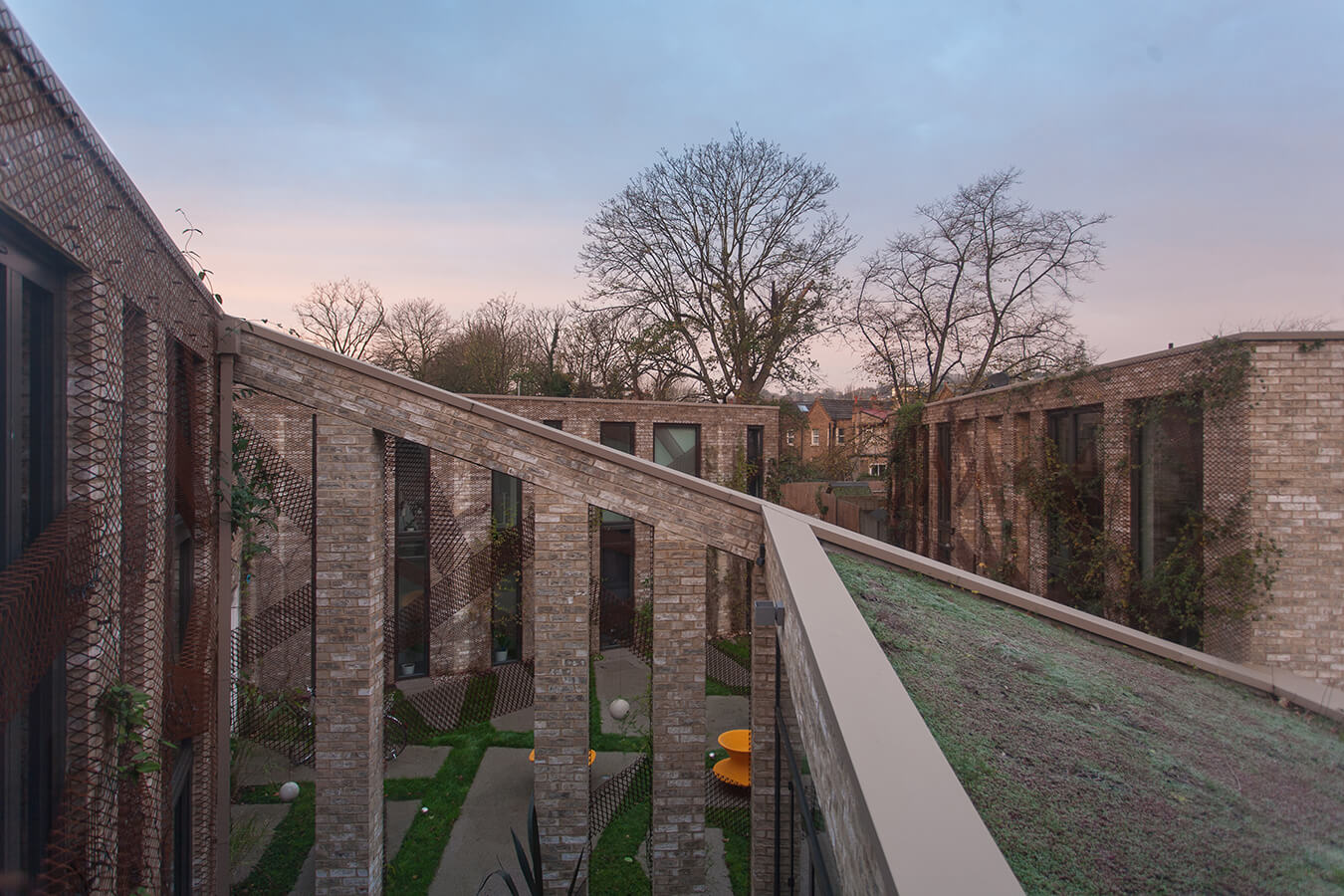 © Jessica and Robert Barker - Forest Mews / Stolon Studio