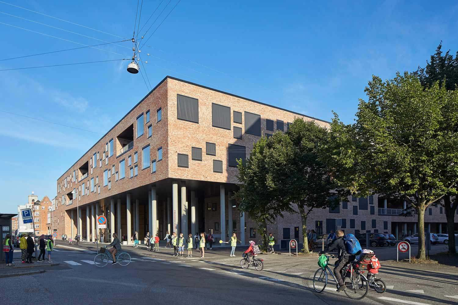 © HUFTON + CROW - Frederiksbjerg School / Henning Larsen Architects