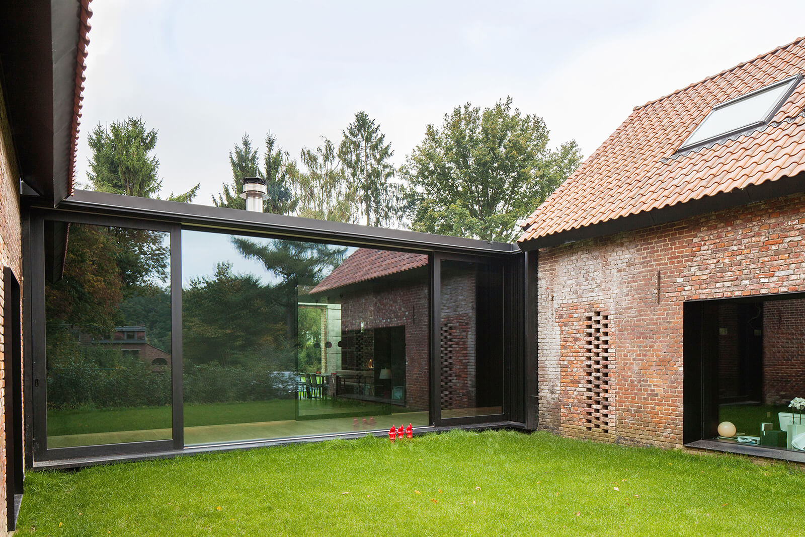 © Thomas Janssens / Hunting House 'La Branche' / DMOA architecten