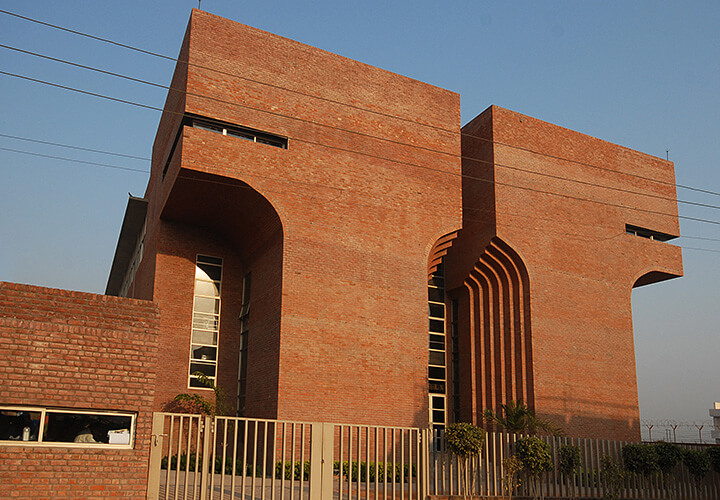 Tarun Tahiliani Design Headquarters / S.P.A Design