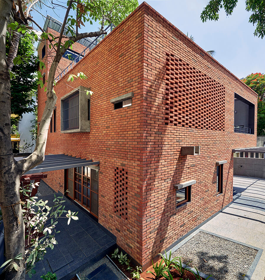 © Hemant Patil / The Brick Abode / Alok Kothari Architects