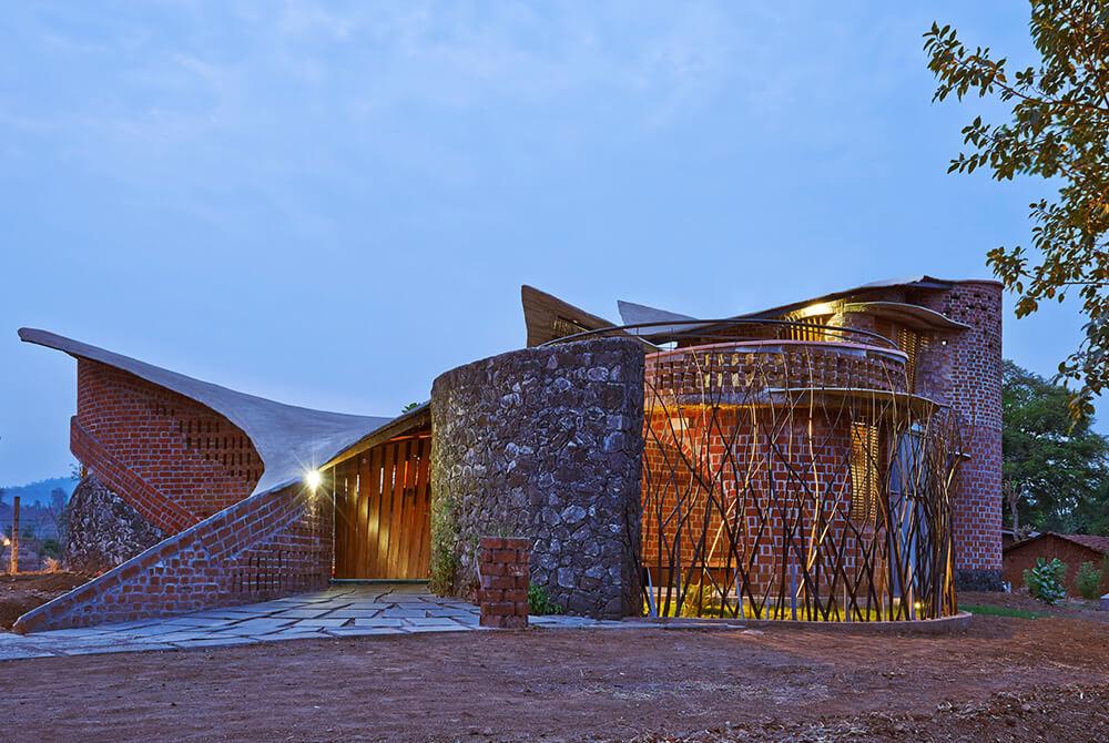 the brick house    istudio architecture