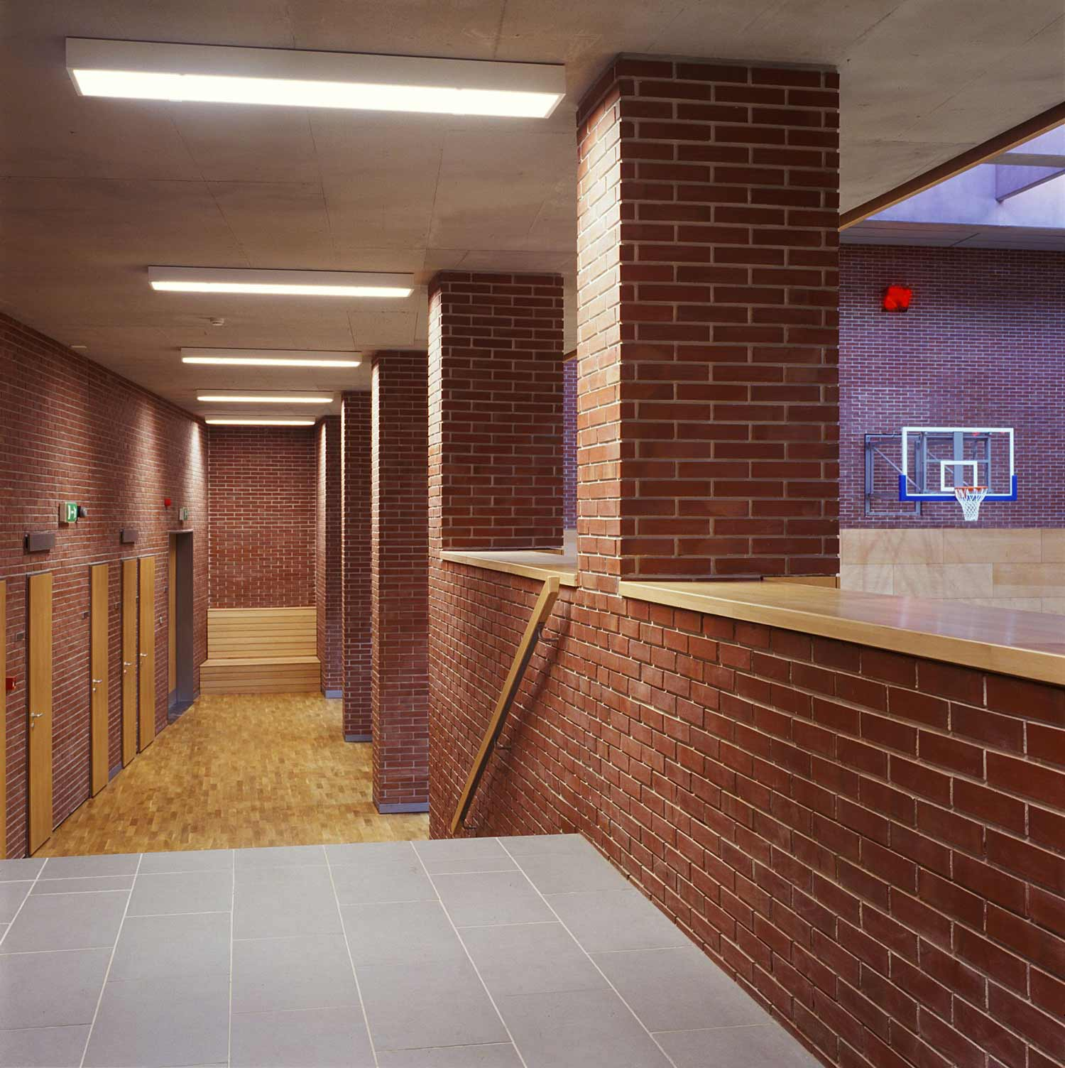 Toldy High School Gymnasium F 246 Ldes Architects
