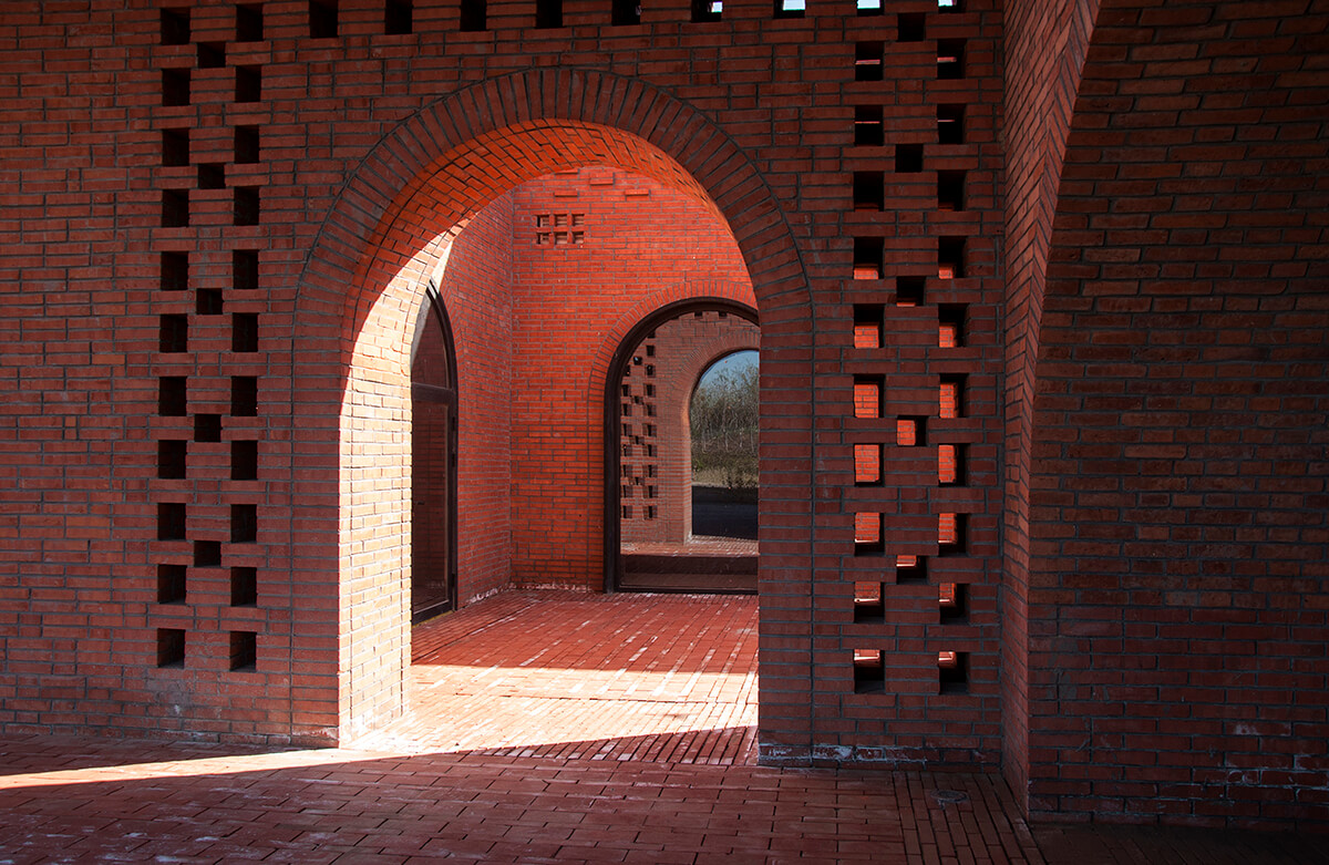 © Zhi Geng / Tower of Bricks / Interval Architects