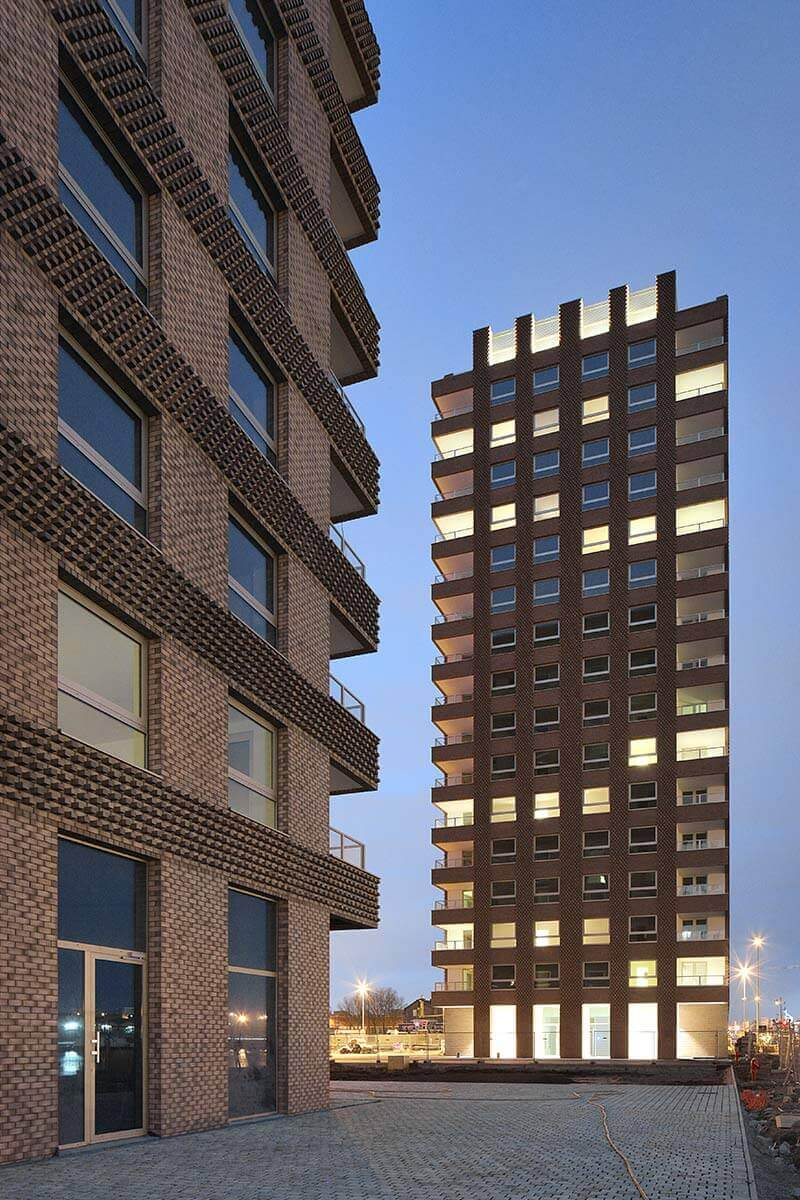 © Philip Dujardin- Westkaai Towers 5 & 6 / Tony Fretton Architects