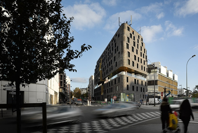 Day-care and Young workers Hostel ZAC DES LILAS / Avenier Cornejo Architectes