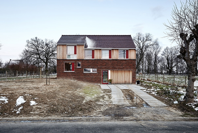 House in Burst / De Smet Vermeulen architecten