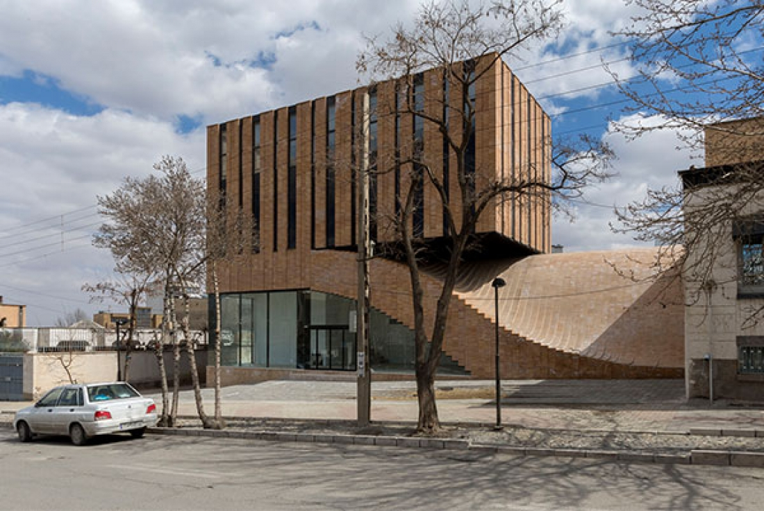 Termeh Office-Commercial Building / Farshad Mehdizadeh Architects + Ahmad Bathaei