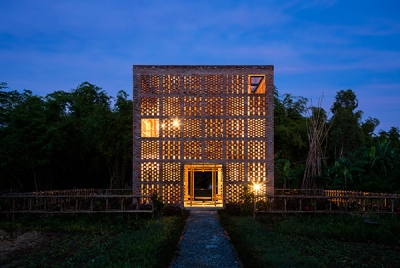 Terra Cotta Studio / Tropical Space Co.,Ltd